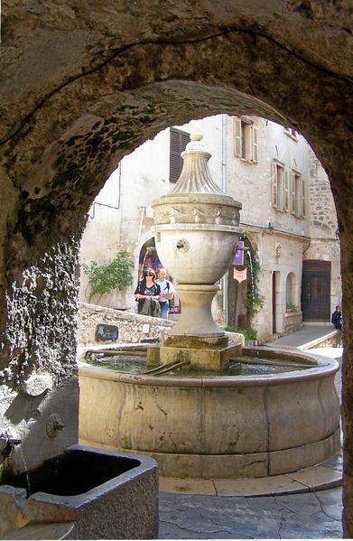 391px-saint_paul_la_grande_fontaine.JPG