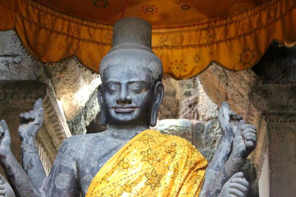 3Vishnu Tempel AngkorWat_resize