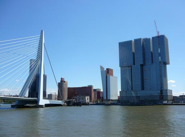 600-Erasmusbrücke