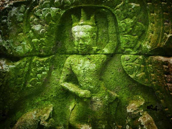 93Apsara_Angkor Wat_resize