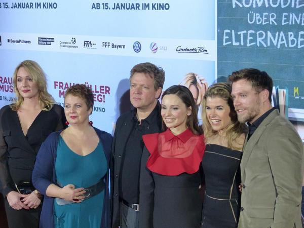 Alwara_Höfels,_Gabriela_Maria_Schmeide,_Justus_von_Dohnányi,_Mina_Tander,_Anke_Engelke,_Ken_Duken-600