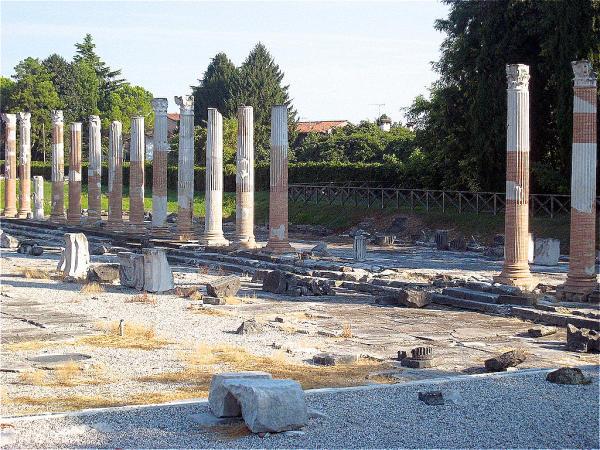 Aquileia Forum Romanum-600