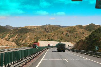 Auf_der_Autobahn-430