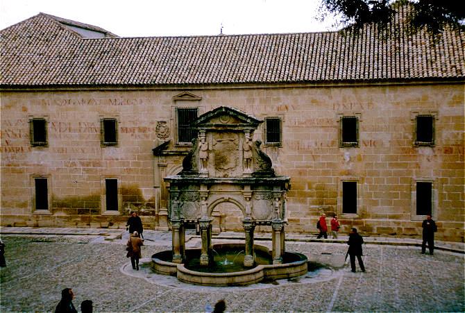 Baeza Santa Maria Brunnen-670-B