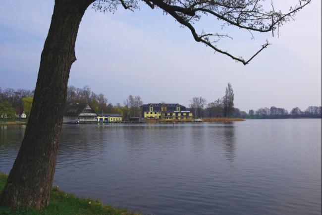 Bild 12 Röbel an der Müritz - Am See