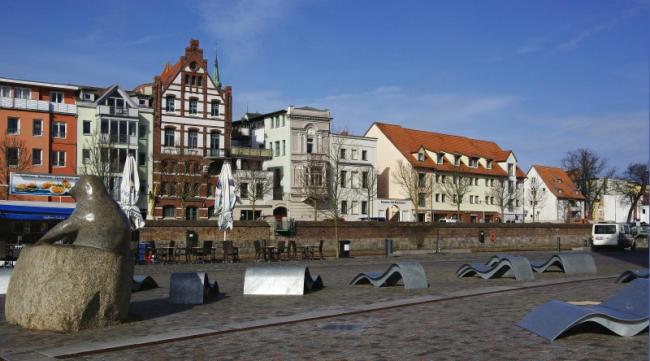Bild 22 Stralsund - Hafengelände zum Erholen