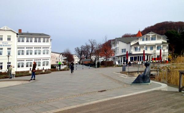 Bild 34 Binz -Hauptstrasse vom See aus gesehenk