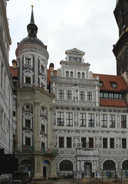 Dresden-Schloss-Innenhof-Kolossos-430