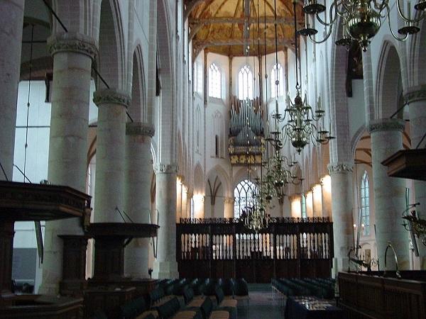 Grote_of_St._Vituskerk-600