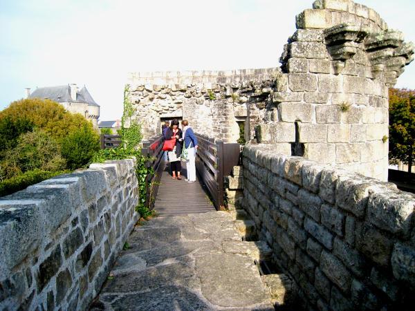 Guerande begehbare Stadtmauer-600