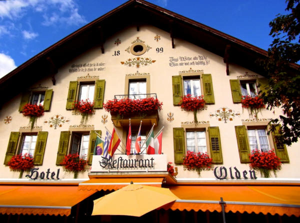 Hotel_Restaurant_Olden_Gstaad_2013_08_29_Foto_Elke_Backert-600