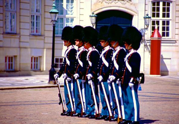 Kopenhagen Amalienborg Wache-600