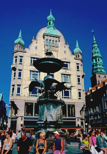 Kopenhagen Storchenbrunnen hoch-450