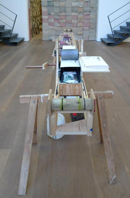 blog archive am webstuhl der zeit michael beutler in der galerie. Black Bedroom Furniture Sets. Home Design Ideas