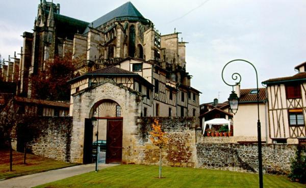 Limoges Kathedrale-600