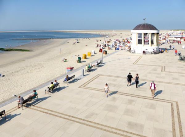 Musikpavillon_Strandpromenade_Borkum_2014_09_18_Foto_Backert