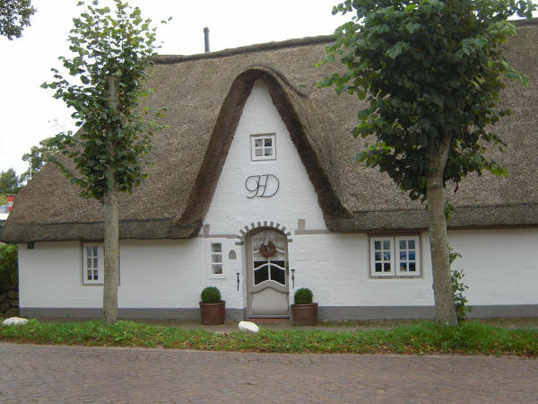 Nieblum,_Insel_Föhr,_Jens-Jakob-Eschel-Str._11