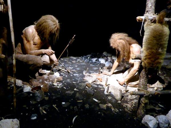 Praehistorische Huette-600