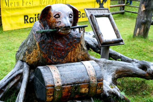 Salzburger Lungau Holzhund Schatzkiste