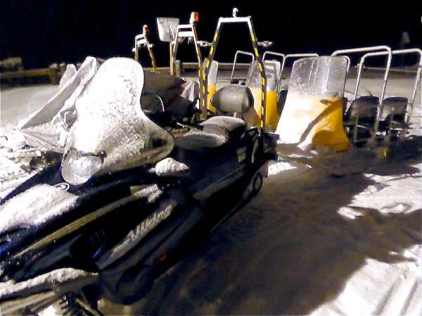 Skiscooter mit Haenger-600