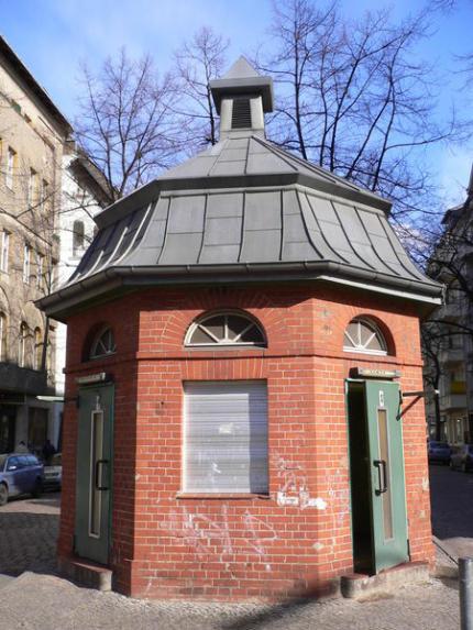 berliner-toilettenhauschen.jpg