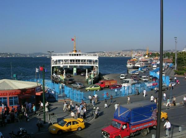 istanbul-hafenszene-600
