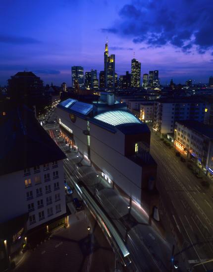 museum-fur-moderne-kunst-frankfurt.jpg